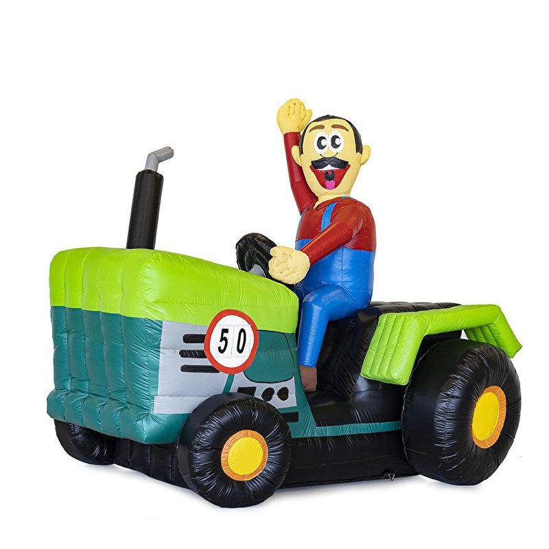 Boer op tractor