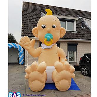 Opblaasbare baby huren. Ras partyverhuur Bergen op Zoom heeft een grote opblaas baby om te huren.