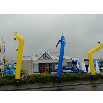 Skydancers huren. Ras Feestverhuur Bergen op Zoom verhuurt skydancers in vele kleuren.